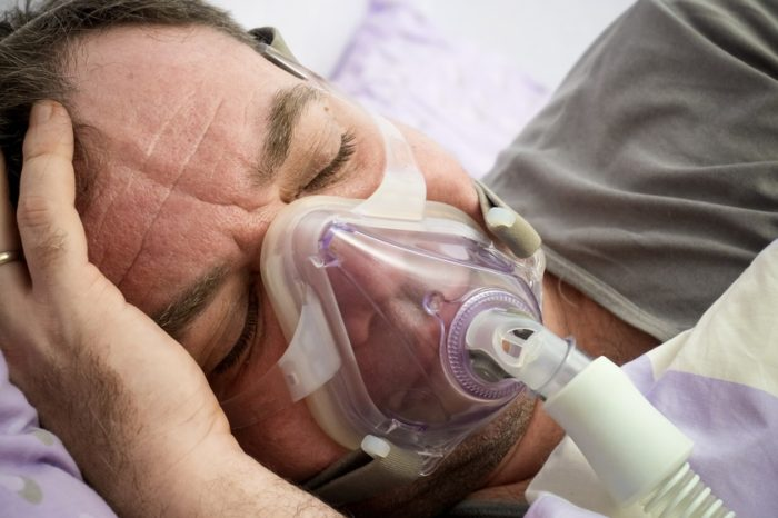 """Pacientes con ronquidos por """"apnea obstructiva"""" poseen mayor riesgo de mortalidad por coronavirus"""