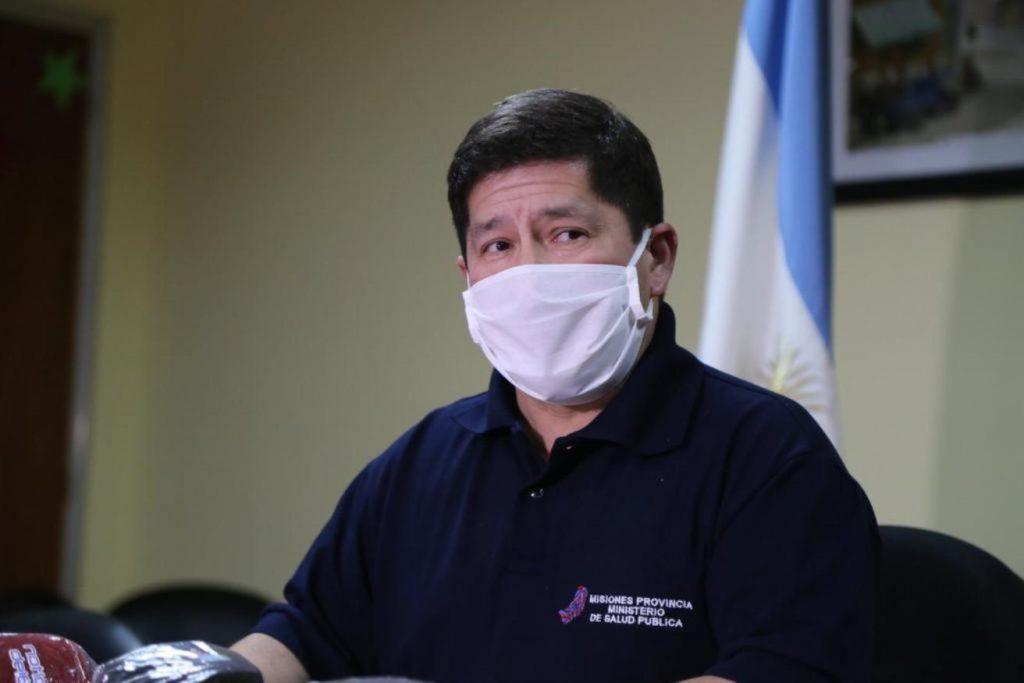"""El Ministro de Salud, Oscar Alarcon, hablo sobre el nuevo test rapido: """"Esta prueba no garantiza que tengas o no el virus y no reemplaza la PCR"""""""