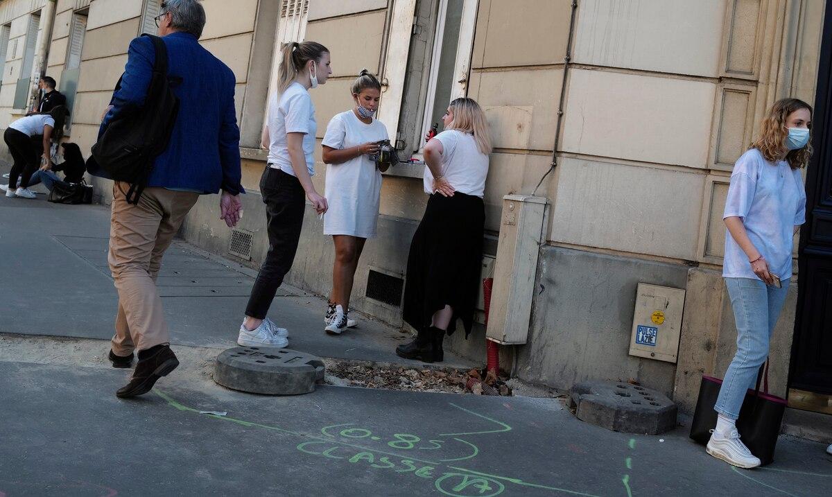 Francia establece nuevo record de casos de COVID-19 en un dia