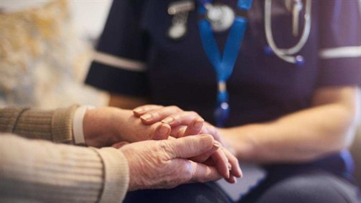 Un estudio profundiza en por que hay mas mujeres con Alzheimer que hombres.