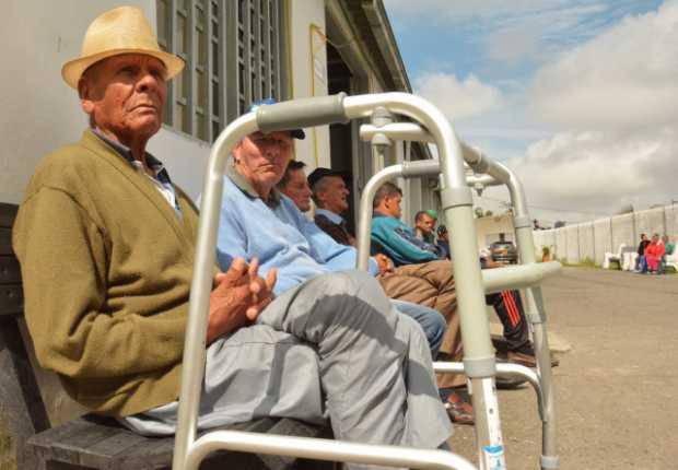 Ancianos en Manizales son atendidos, pero sin convenio