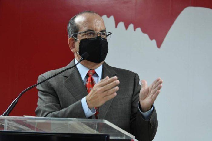 Acevedo Vila se distancia de Jenniffer Gonzalez sobre desarrollo de industria farmaceutica
