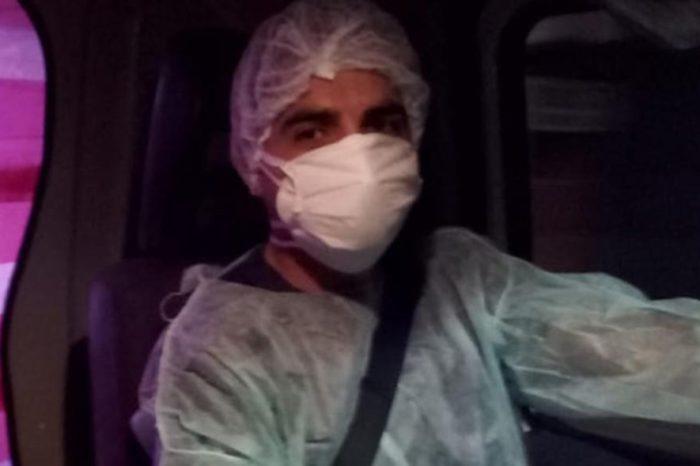 Un paramedico que pedaleaba 100 kilometros para ir a trabajar fue echado por celos de sus colegas