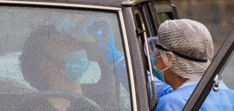 La dificultad para encontrar casos y hacer tests masivos condeno a España