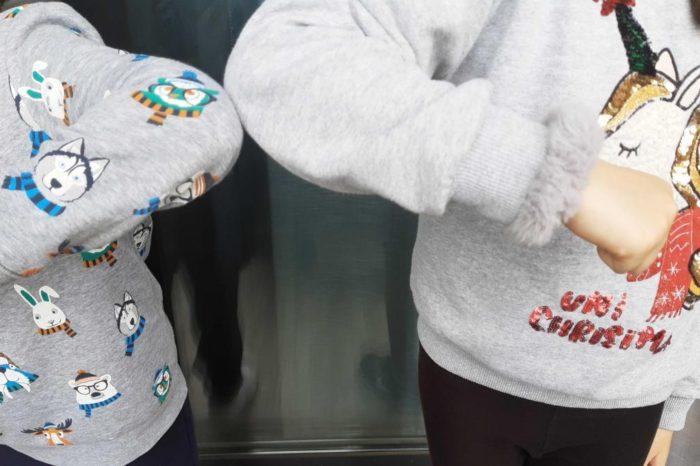 Los saludos con el codo tambien deben evitarse: la OMS recomienda llevarse la mano al corazon