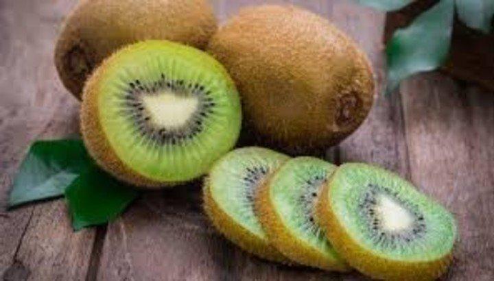 El kiwi, rico en vitamina C.