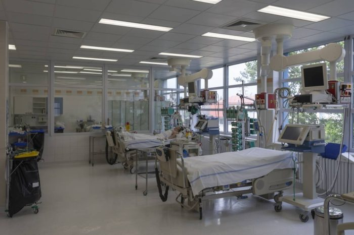 Mas rapida la ayuda a hospitales privados que a los publicos