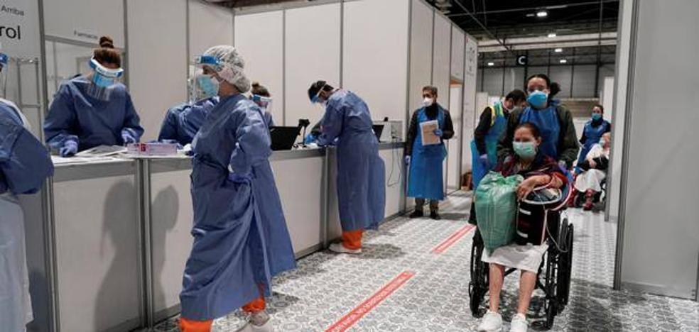 Madrid estudia reabrir el hospital de Ifema ante la avalancha de casos