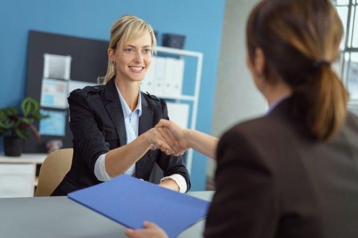 ¿Ser desagradable ayuda a ascender en el trabajo?