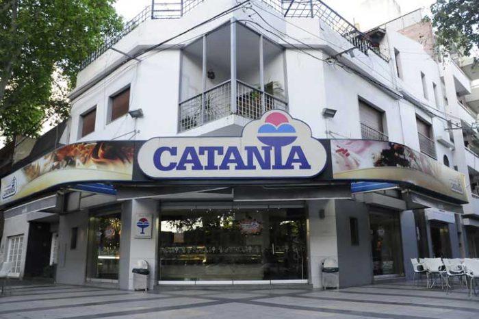 La actitud solidaria de la Heladeria Catania, que busca proteger a sus empleados del covid