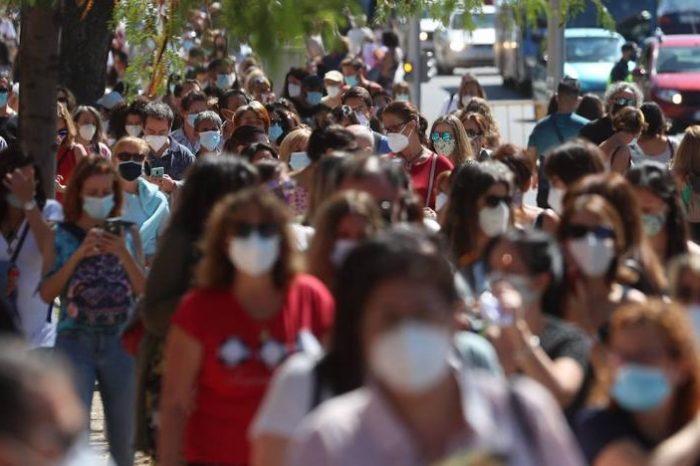 Colas de profesores madrileños para hacer el test del coronavirus