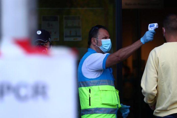 España vuelve a superar la barrera de los 10.000 nuevos casos al dia