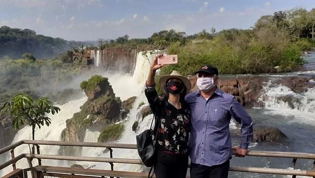 El ministro Alarcon dijo que los casos de coronavirus en Iguazu estan bien identificados y que no afectaran al turismo interno