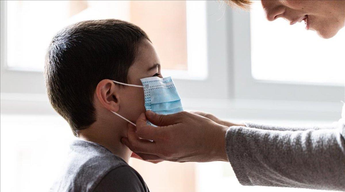 Sintomas del covid en niños: fiebre, tos...