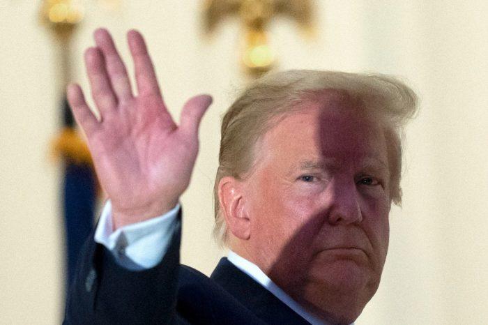 Donald Trump suspende las negociaciones para un nuevo proyecto de estimulo economico
