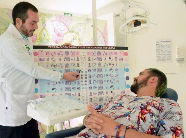 Odontologo Álvaro Ocampo, un todoterreno por la dentadura