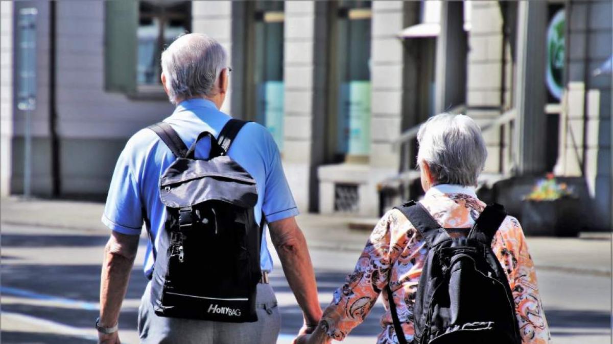 La esperanza de vida en España, amenazada por las enfermedades cronicas y la COVID-19