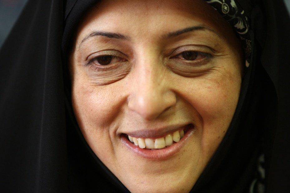 Iran - Massoumeh Ebtekar: Iran, el epicentro del primer brote de coronavirus en Oriente Medio, ha visto como varios de sus altos cargos se contagiaban, incluyendo los vicepresidentes Eshaq Jahangiri y Massoumeh Ebtekar (en la foto). Varios miembros del gabinete dieron tambien positivo.