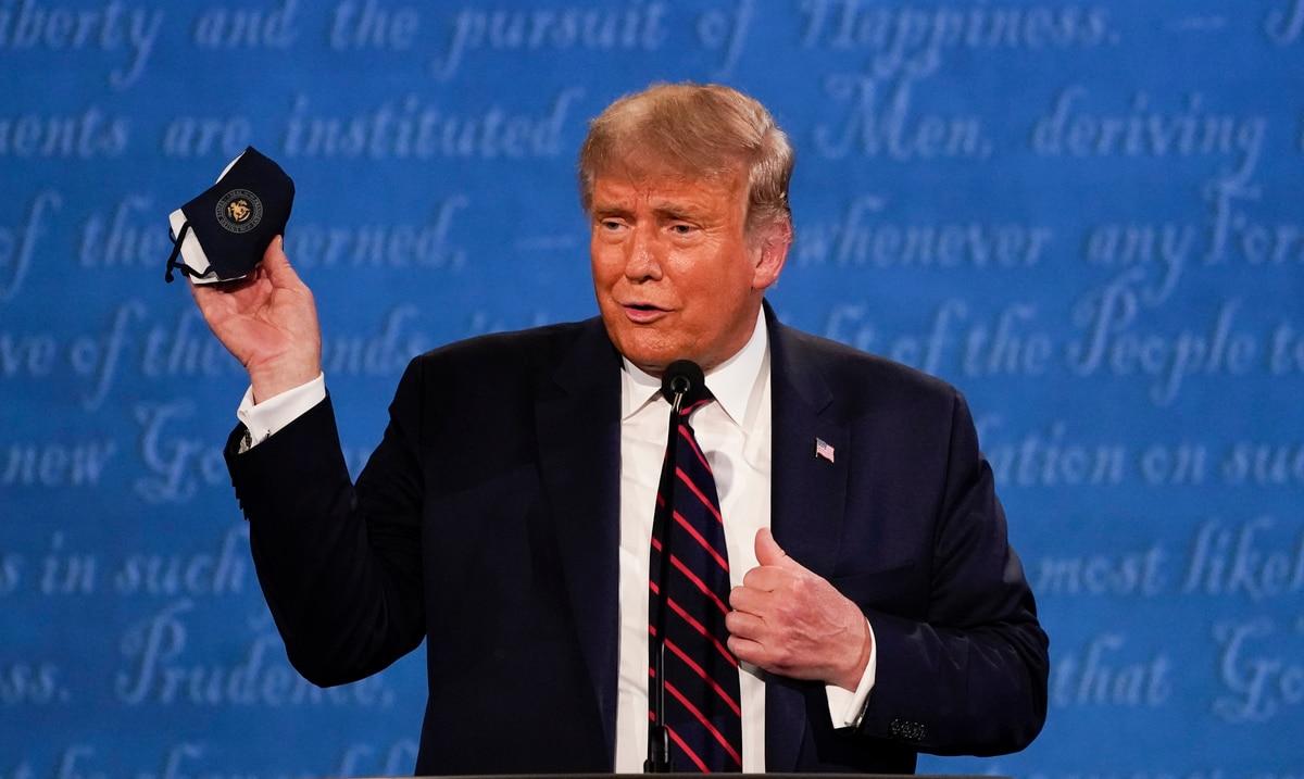 El lunes, Trump dio a conocer en cadena nacional la mas reciente estrategia contra el coronavirus. El viernes, dio positivo