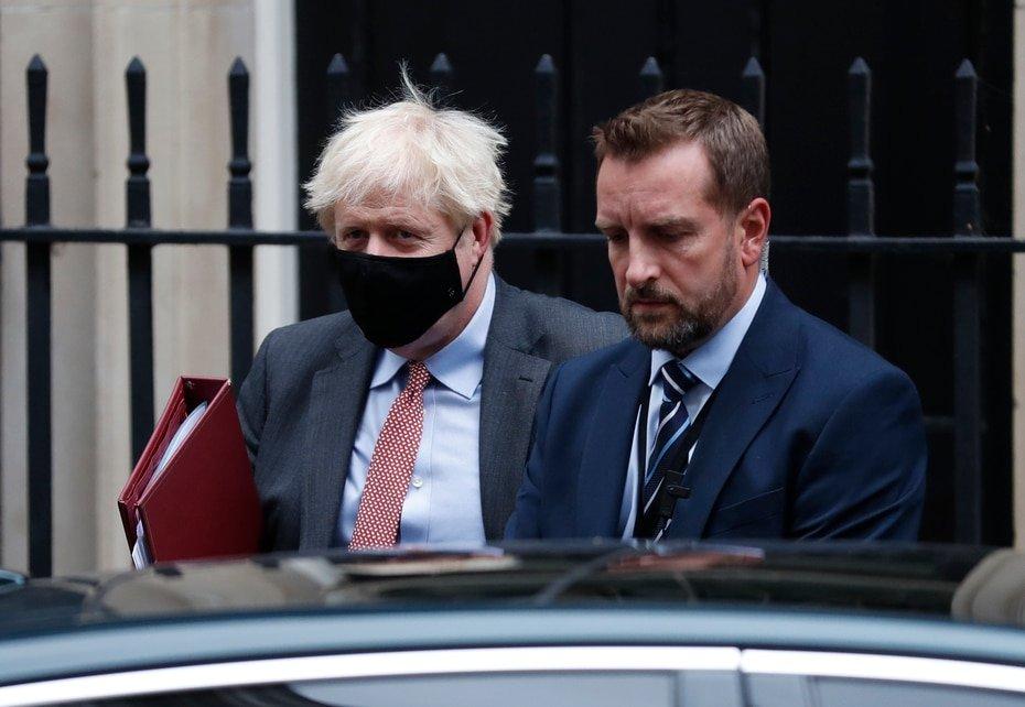 Inglaterra - Boris Johnson: El primer ministro fue el primer lider de peso que confirmo que tenia COVID-19.