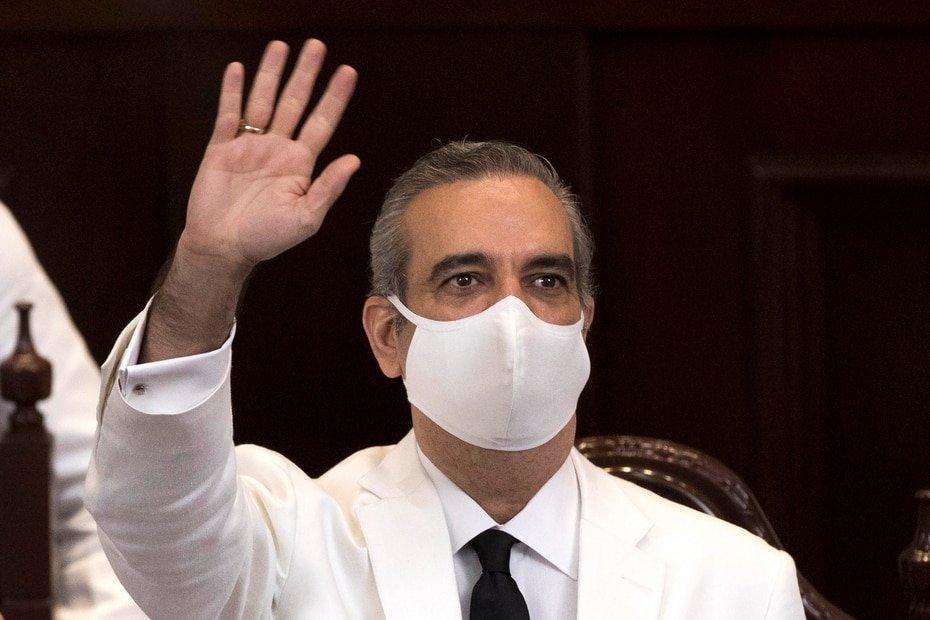 Republica Dominicana - Luis Abinader: El recien elegido presidente de Republica Dominicana contrajo el COVID-19 y se recupero durante la campaña. Paso semanas aislado antes de los comicios generales de julio.