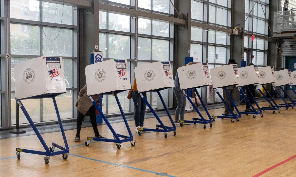 Agencia creada por Trump lo contradice mientras protege la seguridad del proceso eleccionario