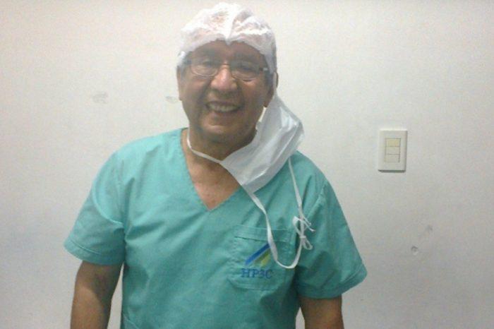 """Un medico jubilado volvio a atender pacientes por la pandemia: """"Me siento feliz y util"""""""