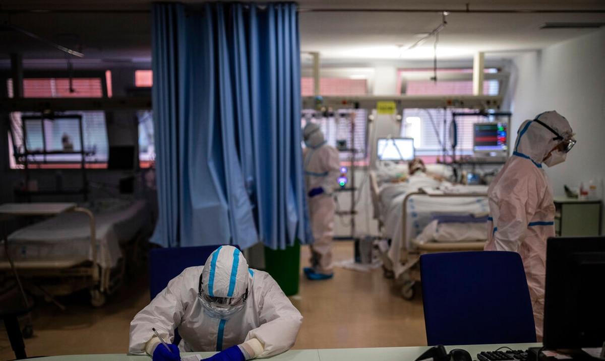 Medicos piden cautela a pacientes de COVID-19 al buscar servicio hospitalario