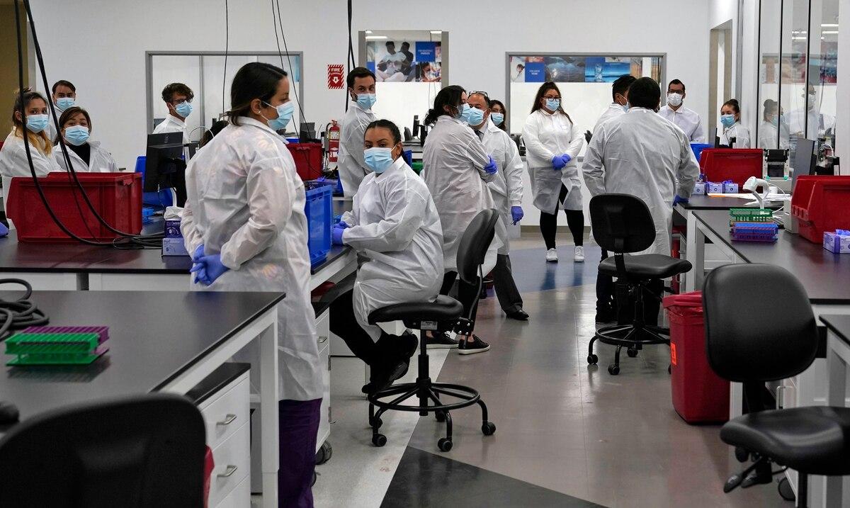 Estados Unidos alcanza los nueve millones de casos confirmados de COVID-19