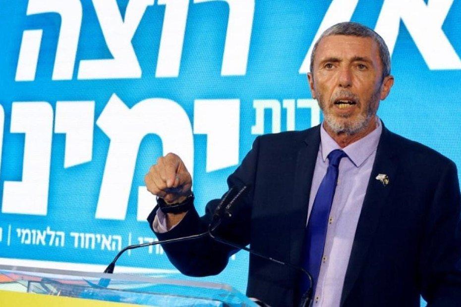 Israel - Rafi Peretz: El ministro para Jerusalen dio positivo en verano, durante un repunte de los casos en todo el pais, y ya esta recuperado.