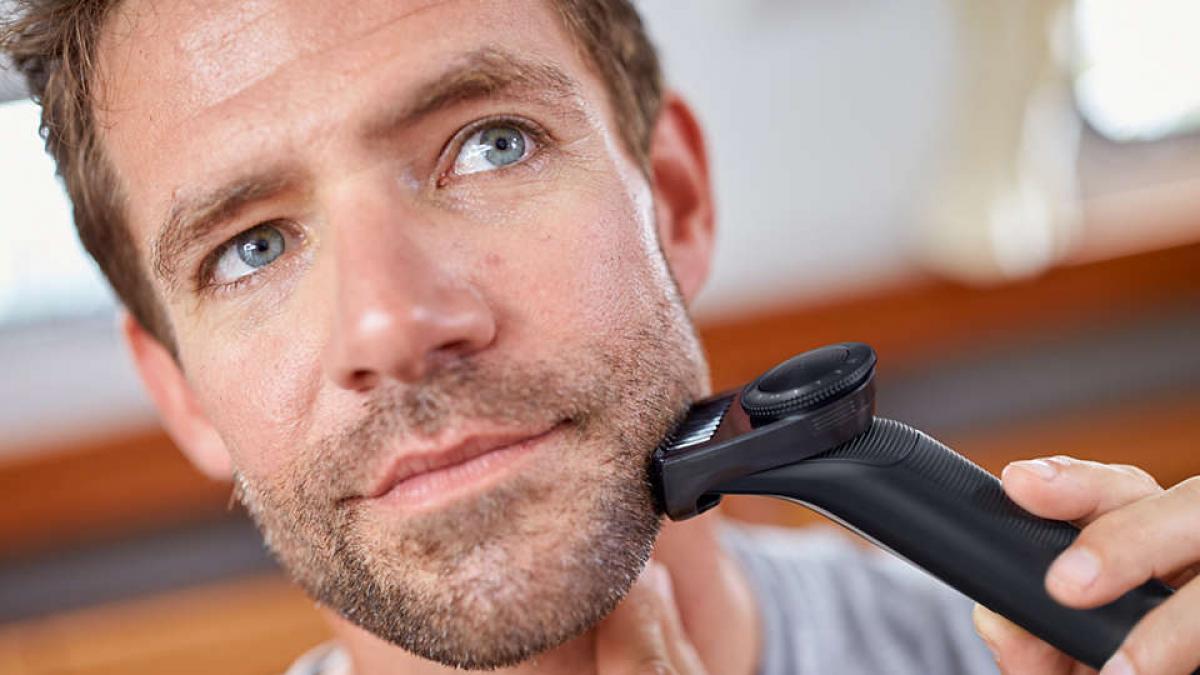 ¿Torpe con la maquinilla? Philips tiene el complemento para lograr el afeitado perfecto (¡y esta de oferta!)