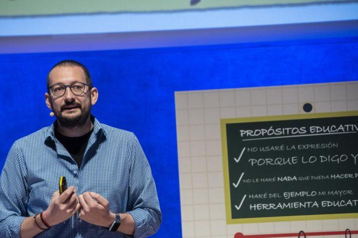 """Alberto Soler, psicologo: """"Los niños estan volviendo a la escuela con un nivel de madurez y responsabilidad ejemplar"""""""