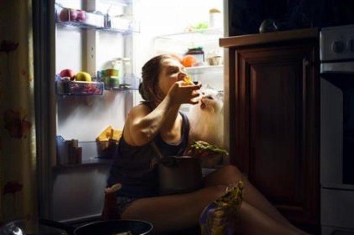 Dos importantes razones para evitar comer por las noches