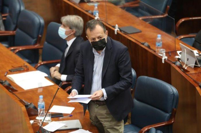 Dimite el consejero de Politicas Sociales de la Comunidad de Madrid