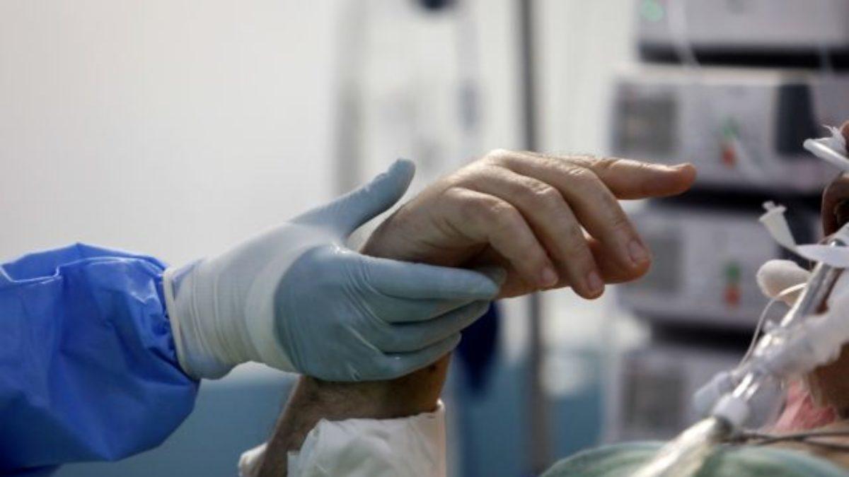 """Rafael Mota, presidente de SECPAL: """"Los cuidados paliativos no son igual a muerte, nuestro lema es 'dar vida'""""."""
