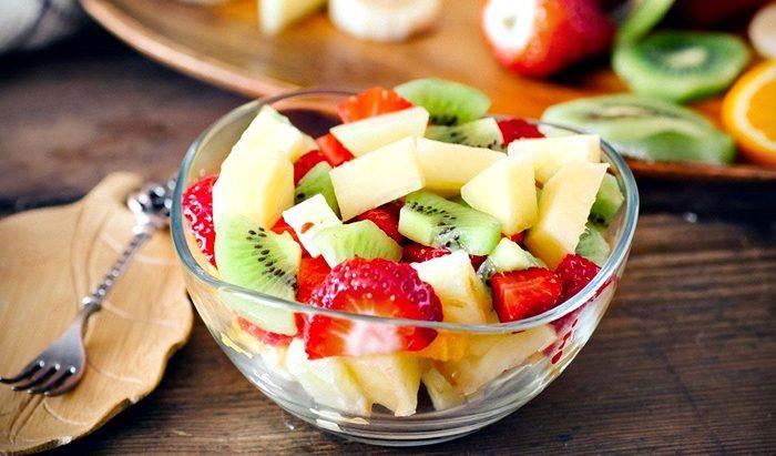 Nutricion: ¿conviene comer frutas en el desayuno?