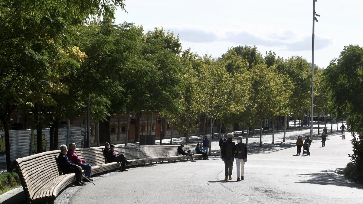 Madrid Rio, el primer lunes de confinamiento perimetral en la capital.