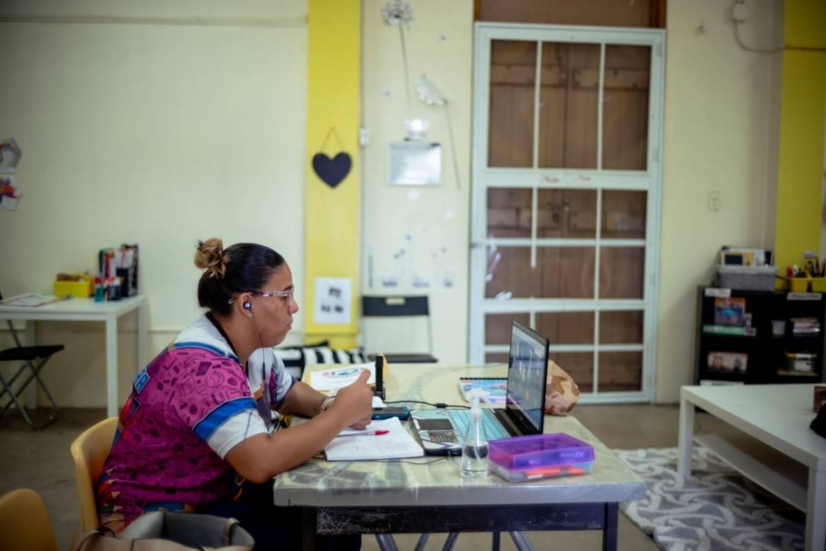 """El Secretario de Educacion y """"el paseo a Vieques para la foto"""""""