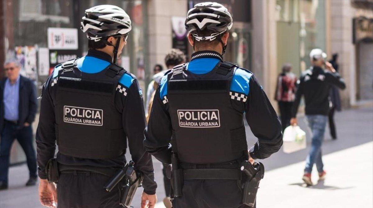 Denunciado por montar una fiesta de 21 personas sin mascarillas en Lleida