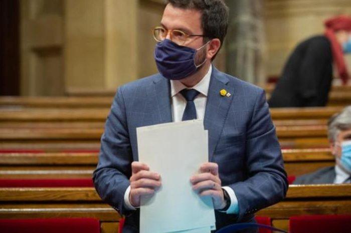 La Generalitat pide que se vuelva al teletrabajo y a las clases 'online'