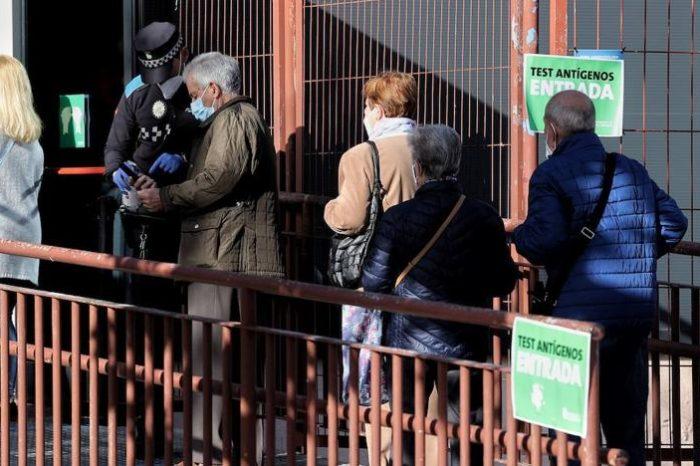 Madrid estudiara medidas para controlar los movimientos de madrugada