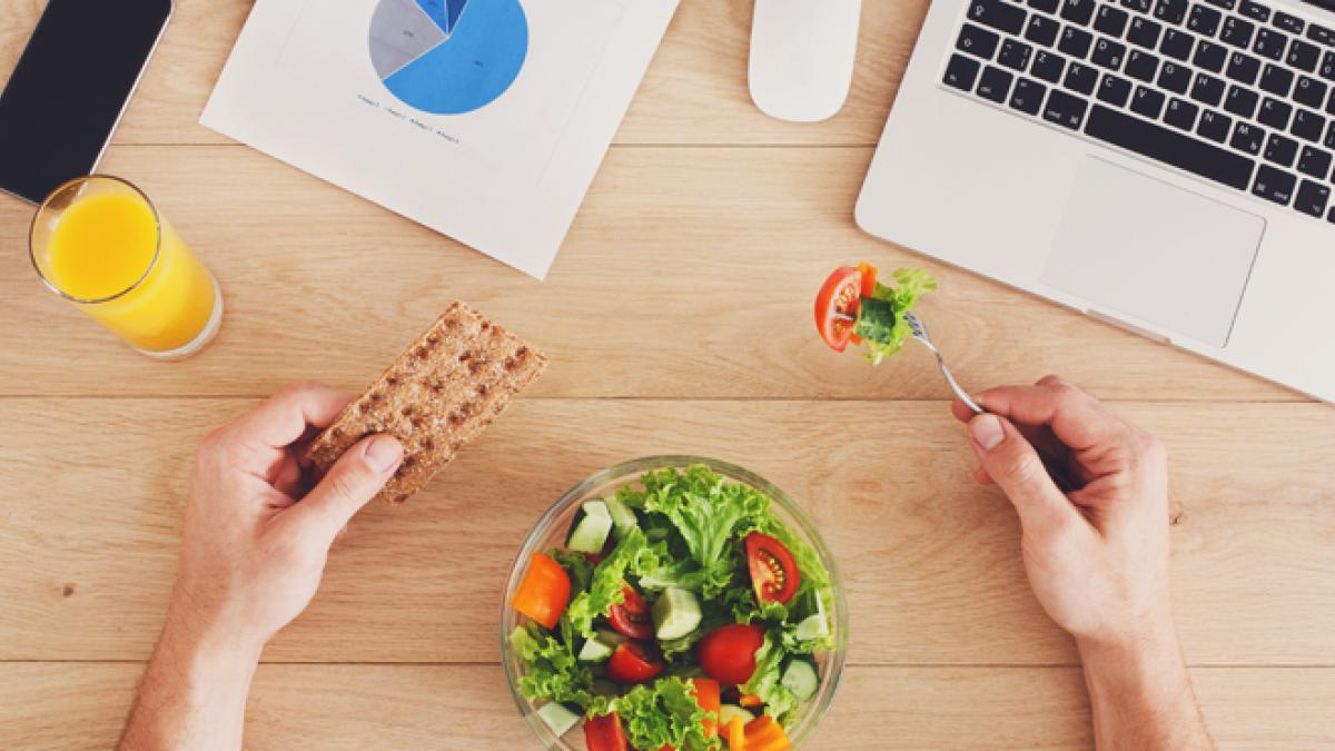 ¿Comes en el trabajo? Planifica bien tus tuppers para que no te falten nutrientes