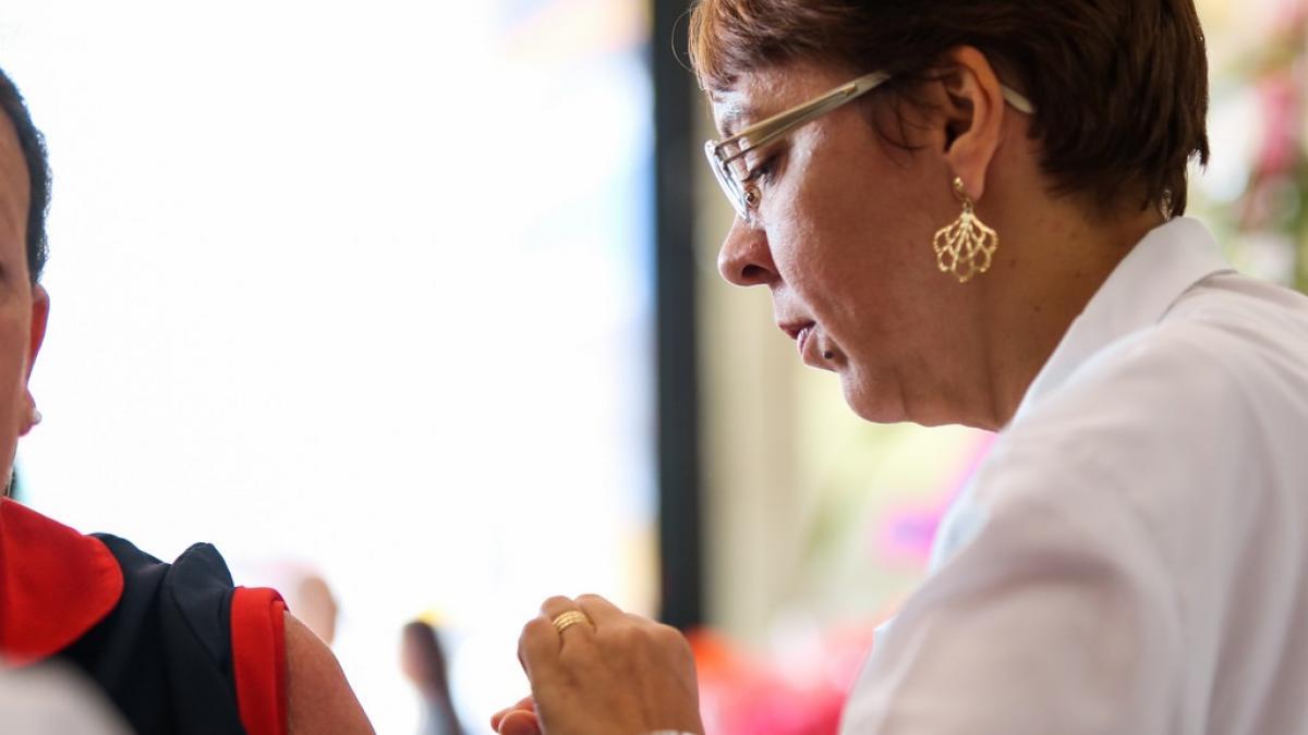 Campaña de vacunacion contra la gripe: ¿quien se debe vacunar?