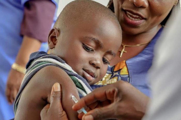 Unicef recuerda que catorce millones de niños no reciben ninguna vacuna al año