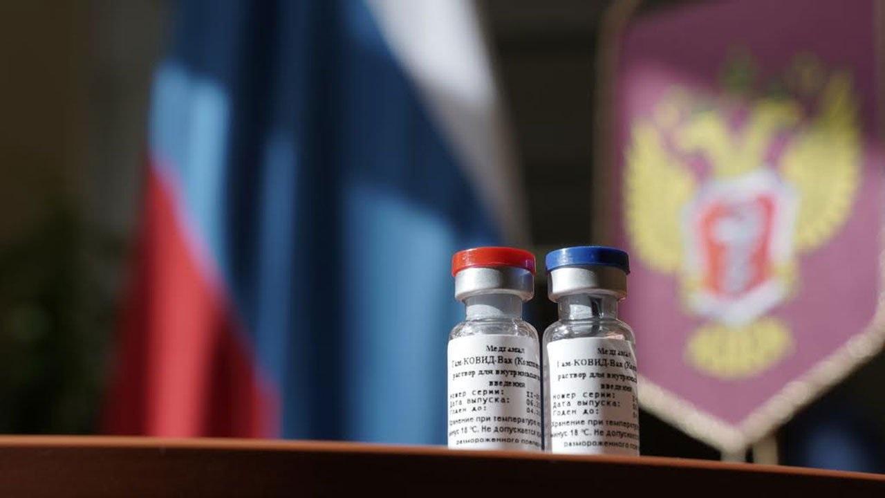 Contradicciones entre Ginés González García y Vizzotti ante la aplicación de la vacuna rusa
