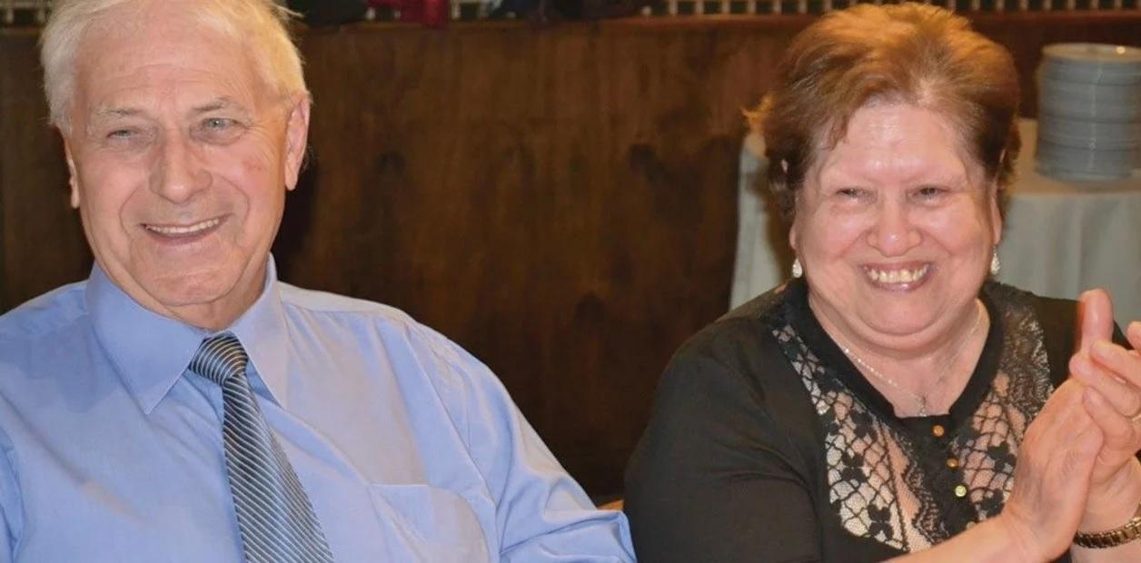Una pareja de mas de 50 años de casados murio de coronavirus el mismo dia