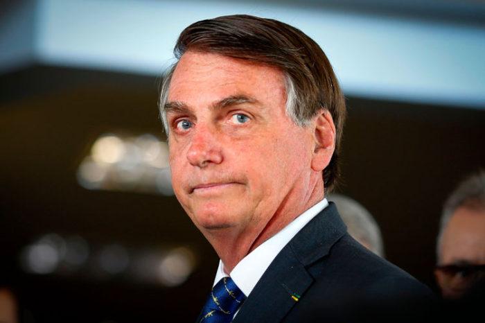 Jair Bolsonaro celebro la suspension de ensayos de la vacuna china