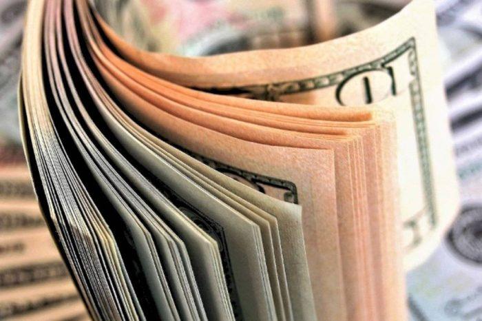 Consumidores boricuas usan cada vez menos el dinero en efectivo