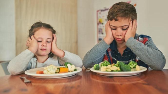 ¿Qué hacer cuando a los niños les cuesta comer verduras?