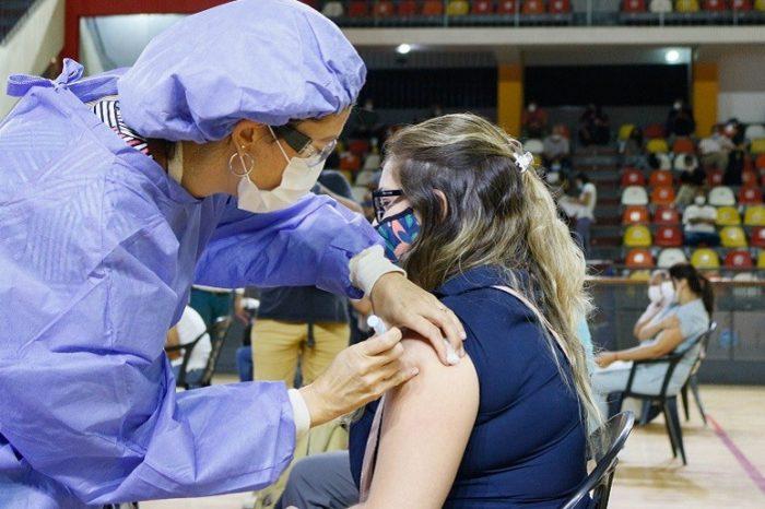 Plan Provincial de Vacunacion: la primera etapa esta destinada exclusivamente a los equipos de salud